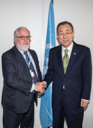 Miguel Arias Cañete Commissioner for Climate  for Climate Action and Energy, with Ban Ki Moon,  General Secretary of UN, at COP20 in Lima, Peru (EU/AFP/Sebastian Castañeda)