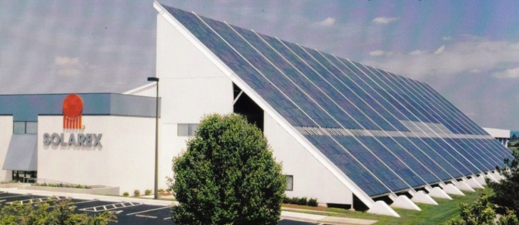 Solarex Building, Frederick MD. USA – 1982. The World's first and at that time the largest (200 MW) rooftop PV system. Courtesy of Mr. Ramon Dominguez
